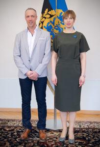 Sven Lilienström, Gründer der Initiative Gesichter der Demokratie, und Kersti Kaljulaid, Staatspräsidentin der Republik Estland | © Anna Zaugarova